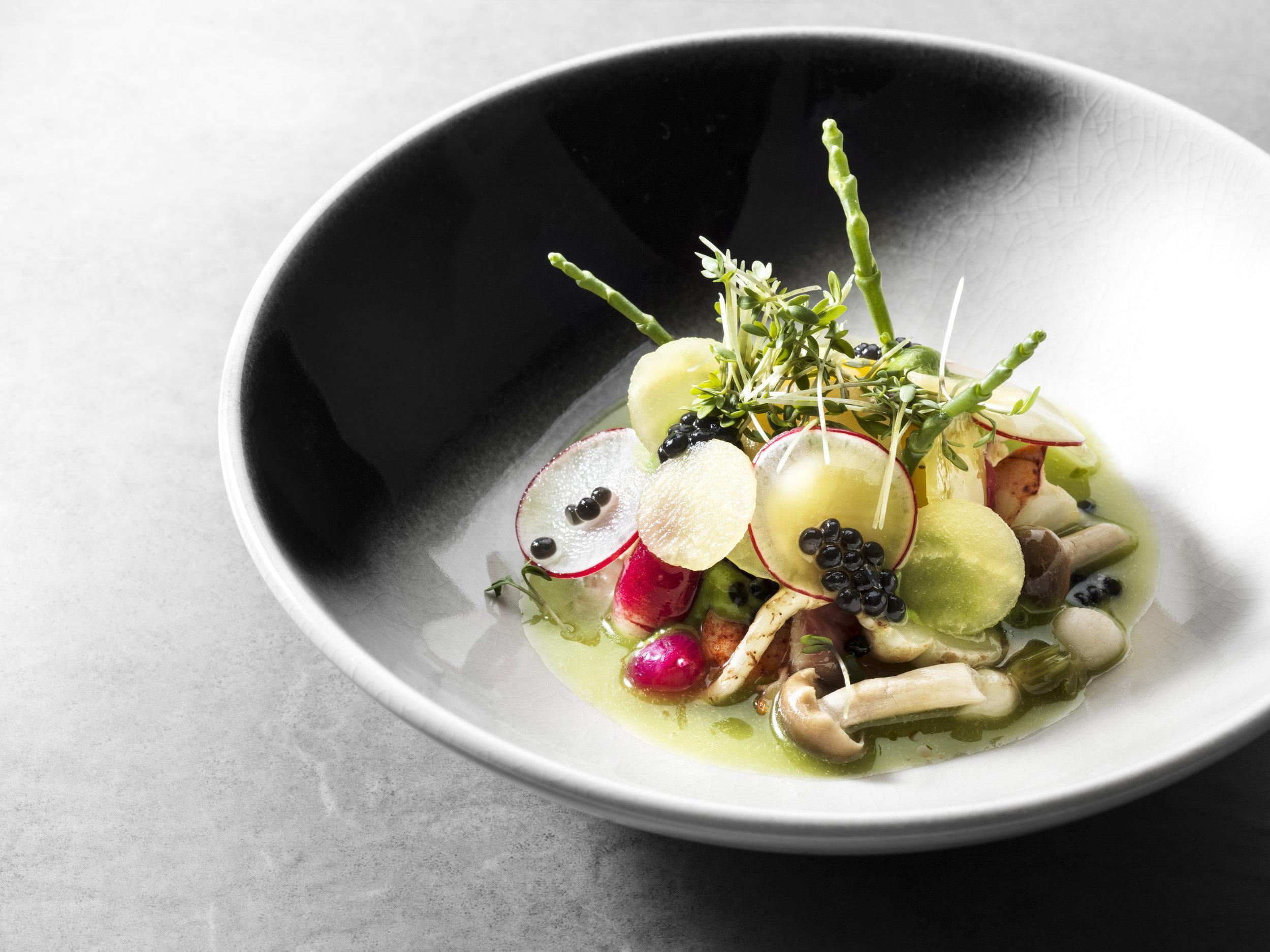 Menno Post | Salade met gerookte paling en zoetzure groente van de koude grond en yuzu dressing