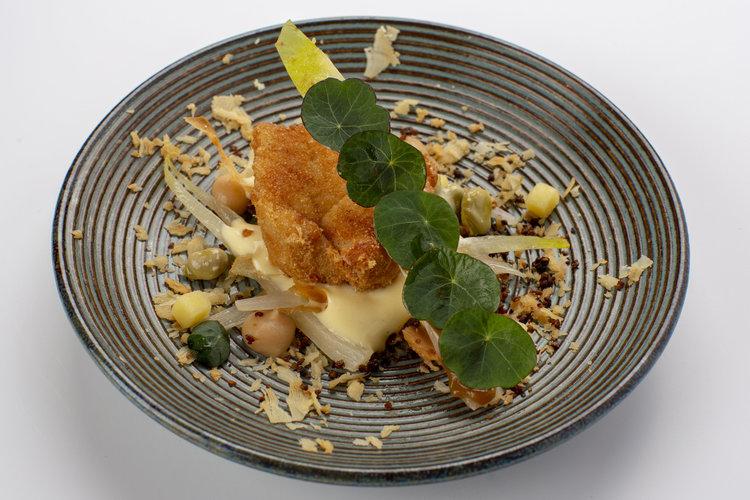 Egon van Hoof | Witlof met raclette, kweepeer,zwezerik en macadamia