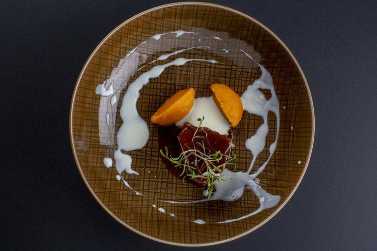 Maik Kuijpers | Geitenschouder met VOC kruiden en kruiden yoghurt