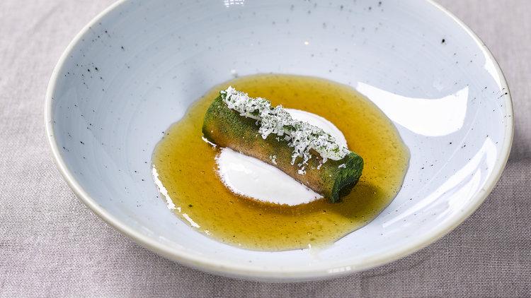 Jan Sobecki | Steak tartare, mierikswortel, geitenkaas