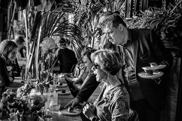 Het waren niet alleen de heerlijke gerechten waar onze gasten blij van werden tijdens 24H Chefs. Het fantastische bedieningsteam wist al onze gasten een glimlach te bezorgen, sommige toppers zelfs 24 uur lang! ✨ 📷 door @danielmaissan