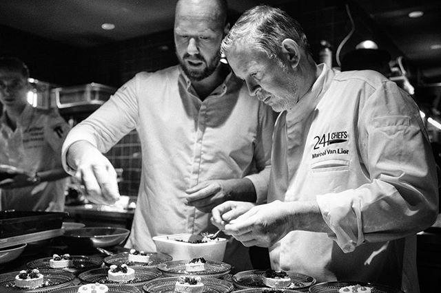 Focus! 👀 Wist je dat de 24 chefs kookten in een gepersonaliseerde @24hchefs koksbuis van @lenouveauchef? 👨🏼🍳 Hoe tof! 🤩 📷 door @danielmaissan