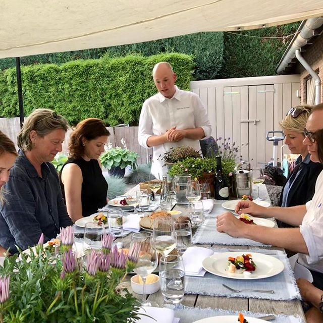 Last week I served a private dinner in the garden of the guests own house. Amazing evening! Everything for charity! @rodekruis @24hchefs
