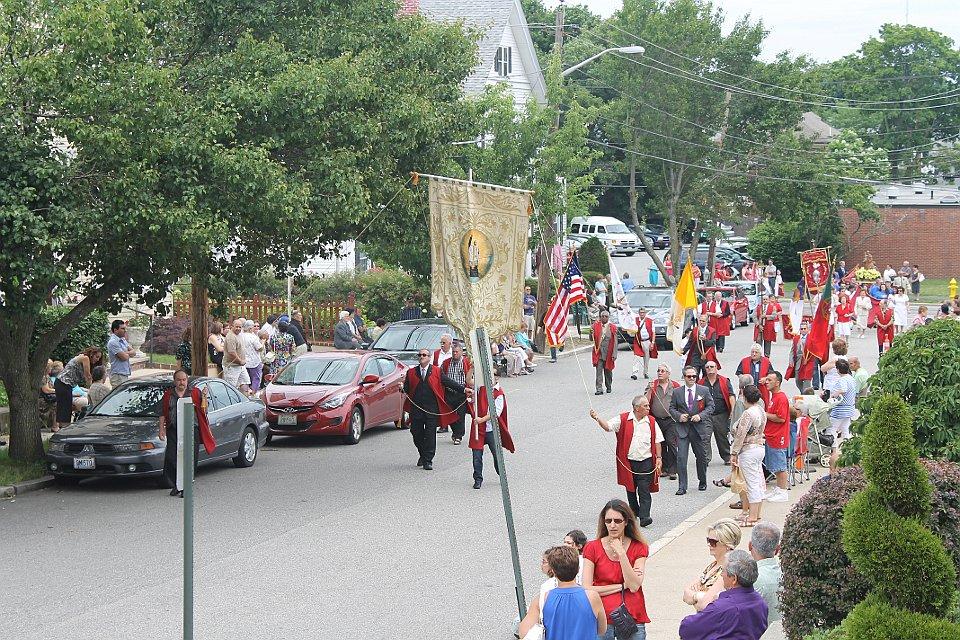 Sunday Procession Arrival -