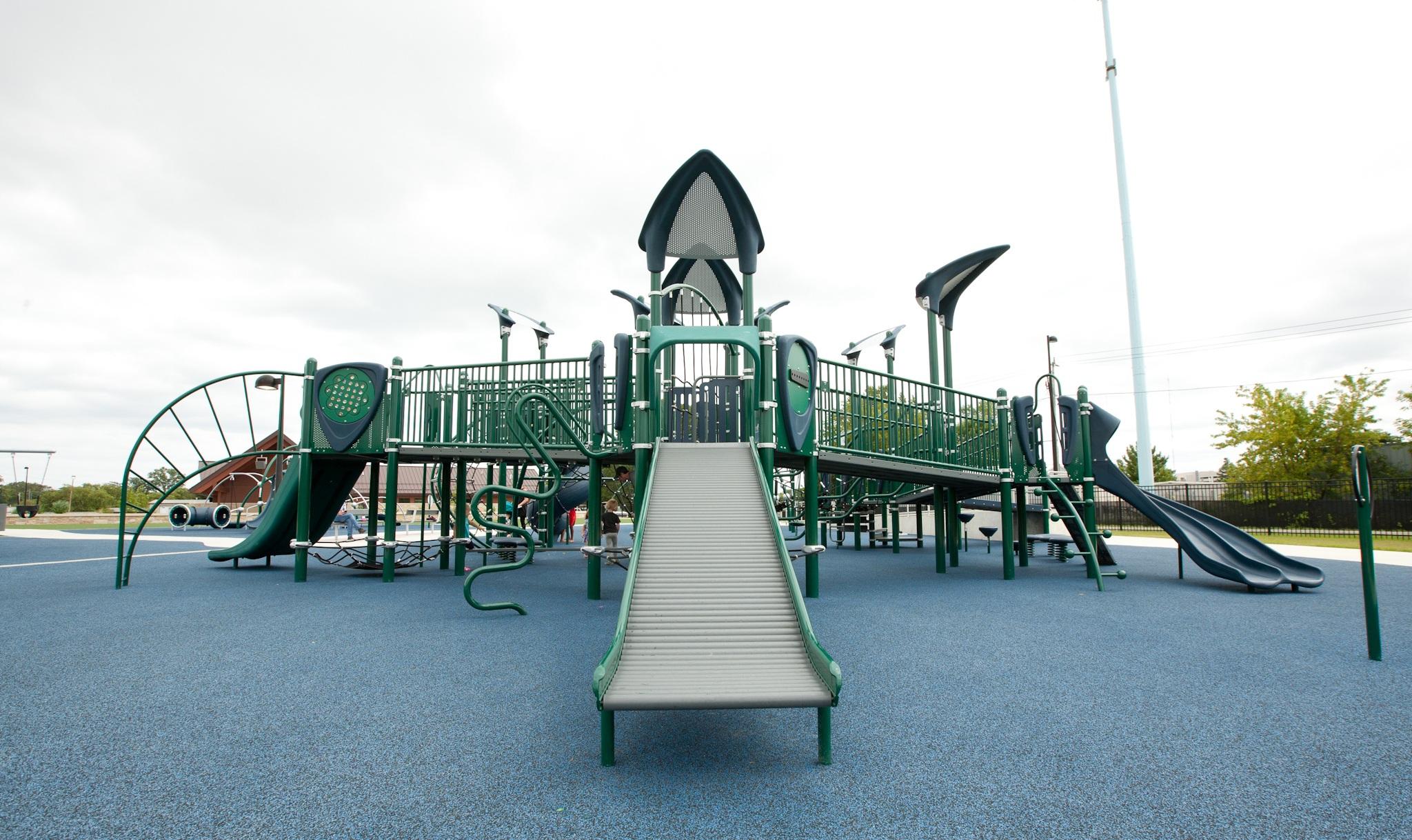 Richard E. Maslowski Park - Glendale