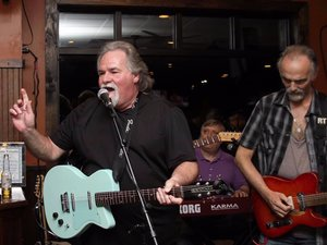 20 MAY 2019 : New Jersey rocker  BOB CAMPANELL  (formerly of Jersey shore favorites, The Shakes) was stricken onstage at JD's Pub in Galloway, New Jersey while playing a benefit show for his pal Ernie Trionfo. He was sixty-seven.