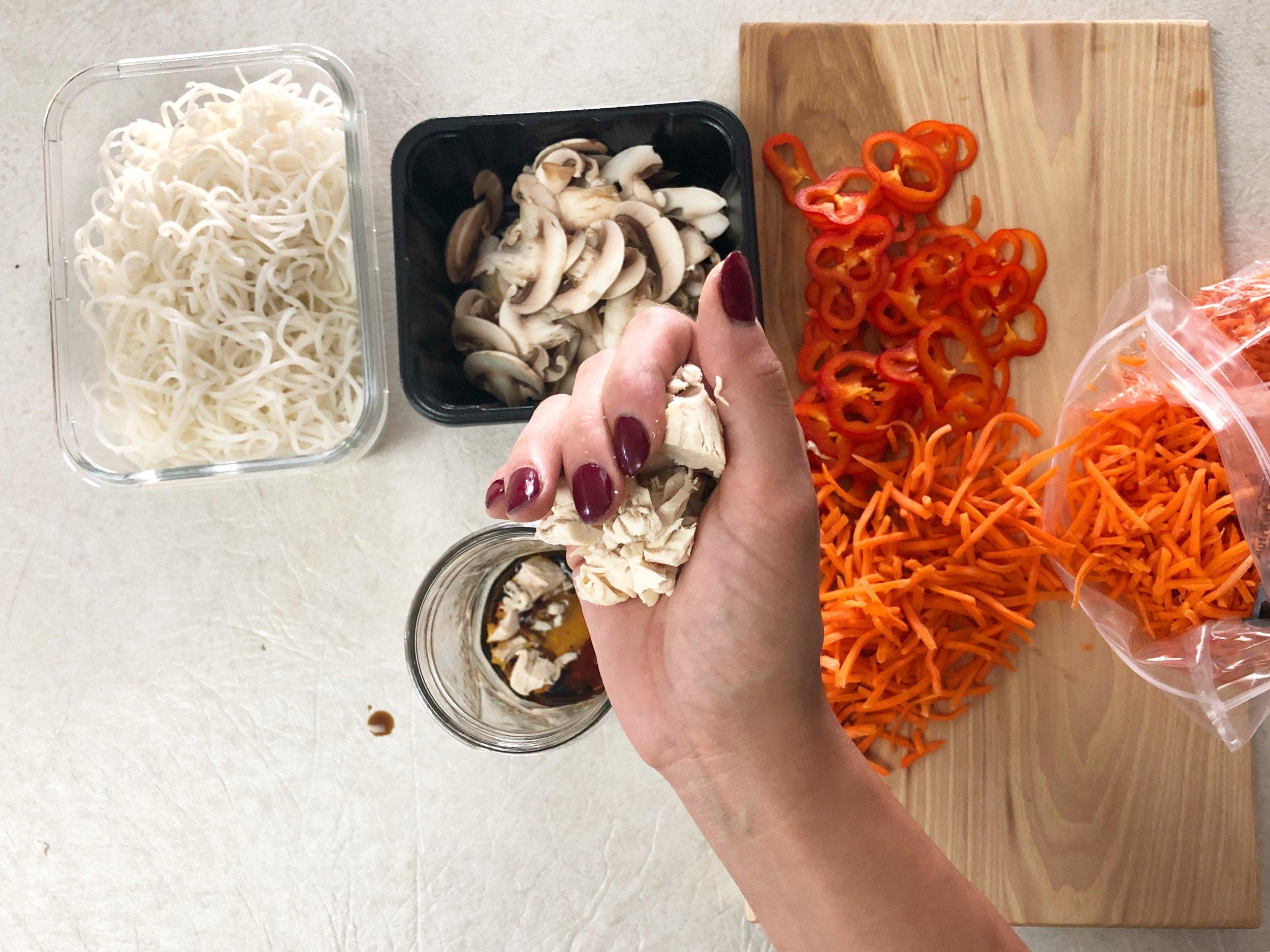 Bone broth ramen noodle jars, meal prep recipe 4