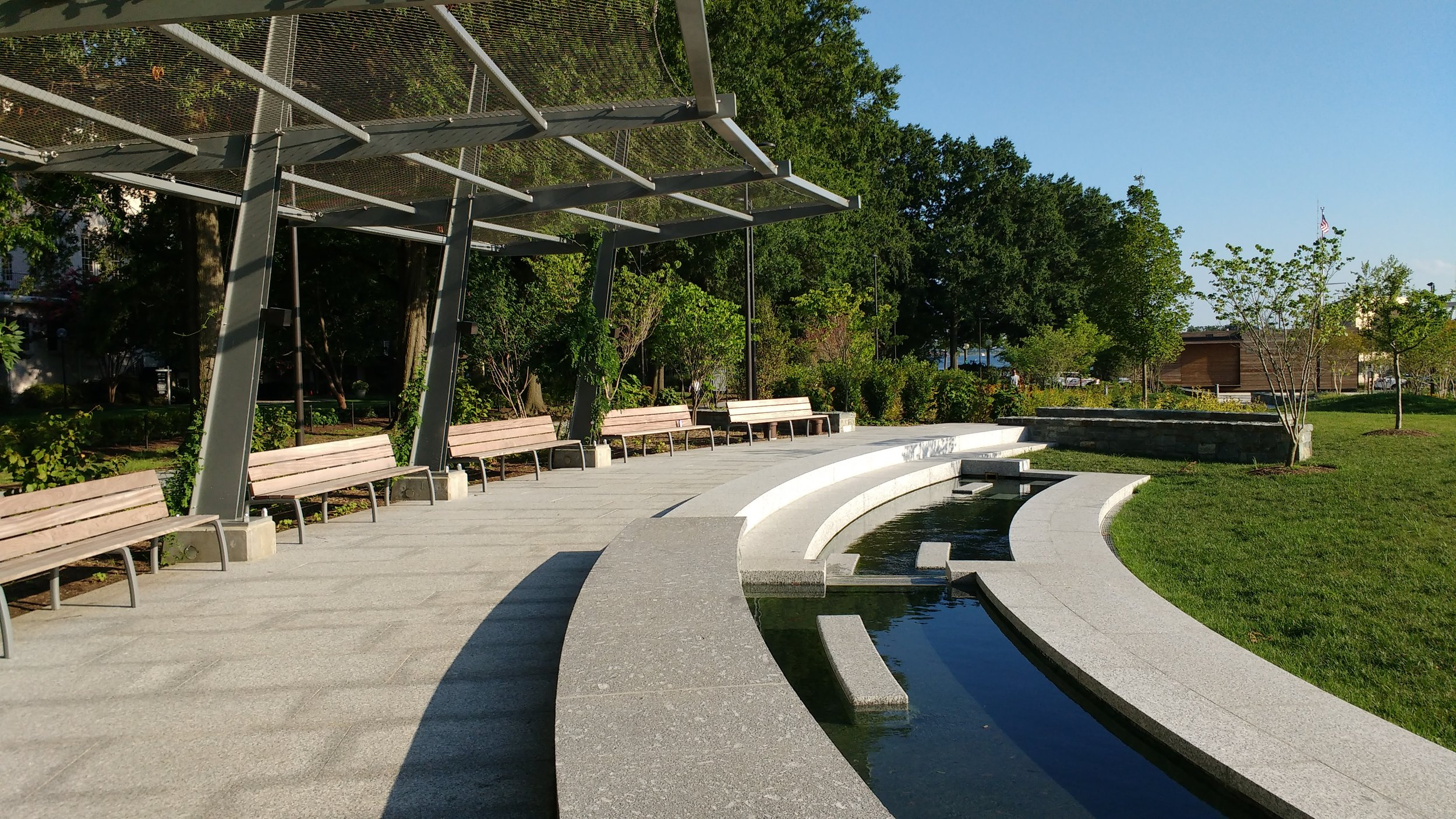 Waterfront_Park-arbor-water-feature.jpg