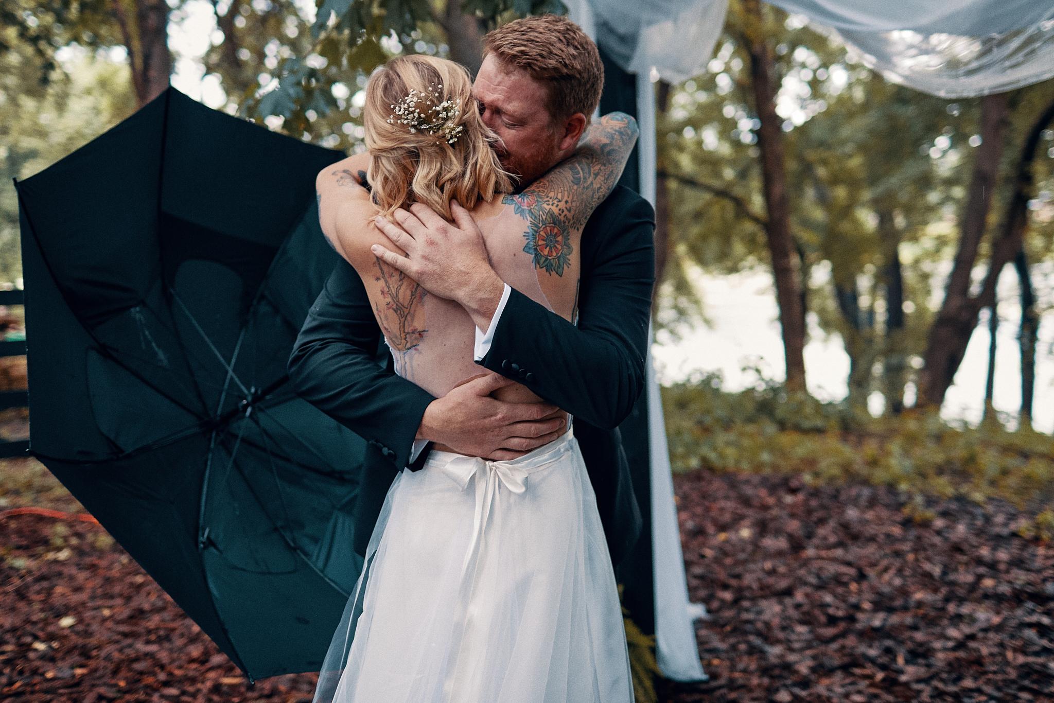 A_Backyard_Wedding_Minneapolis_Wedding_And_Engaement_Photographer_In_Minnesota_High_End_Brand_Something_Candid_002.JPG