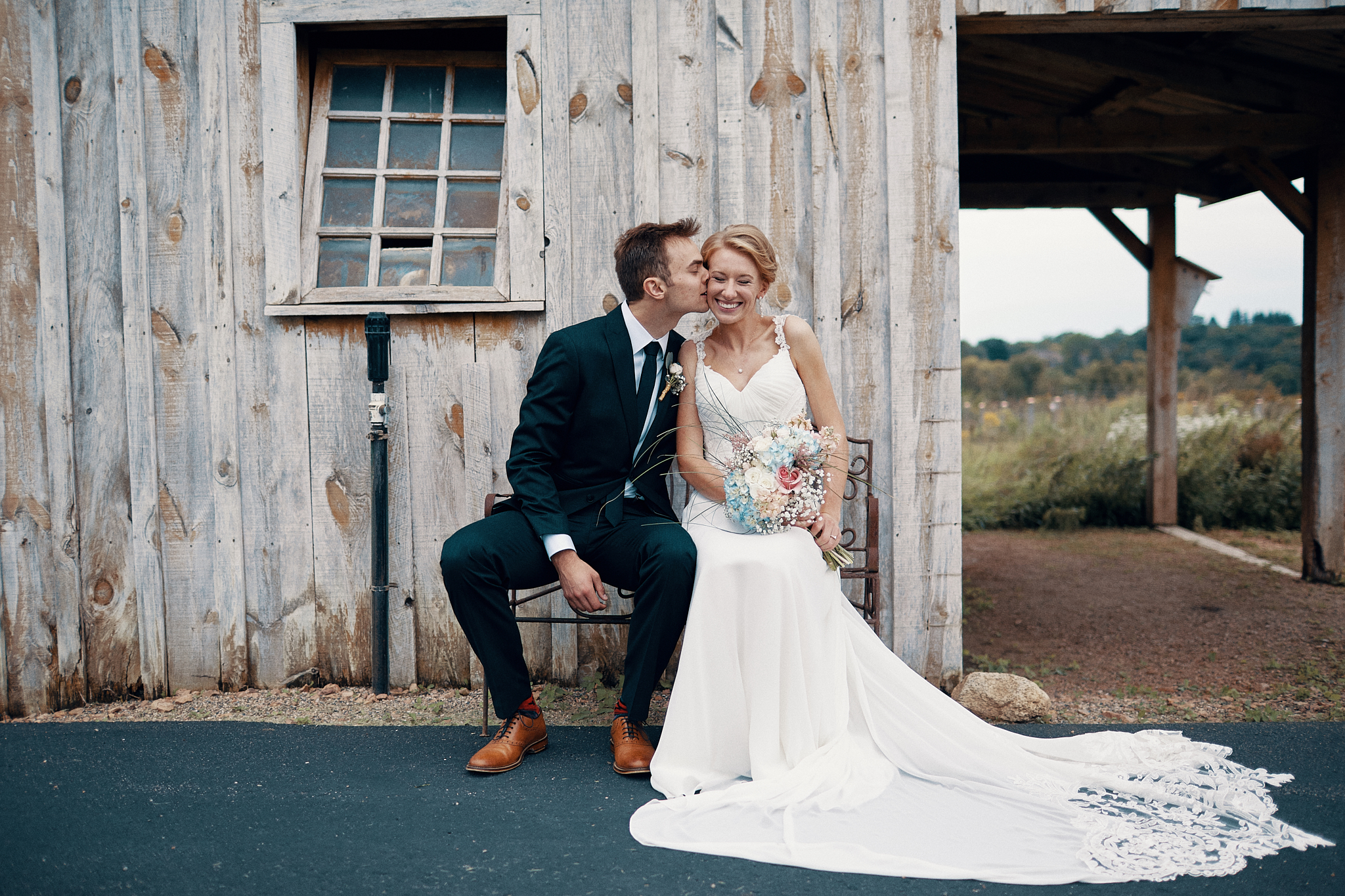 Emotional_Outpost_Center_Wedding_And_Engaement_Photographer_In_Minnesota_High_End_Brand_Something_Candid_013.JPG