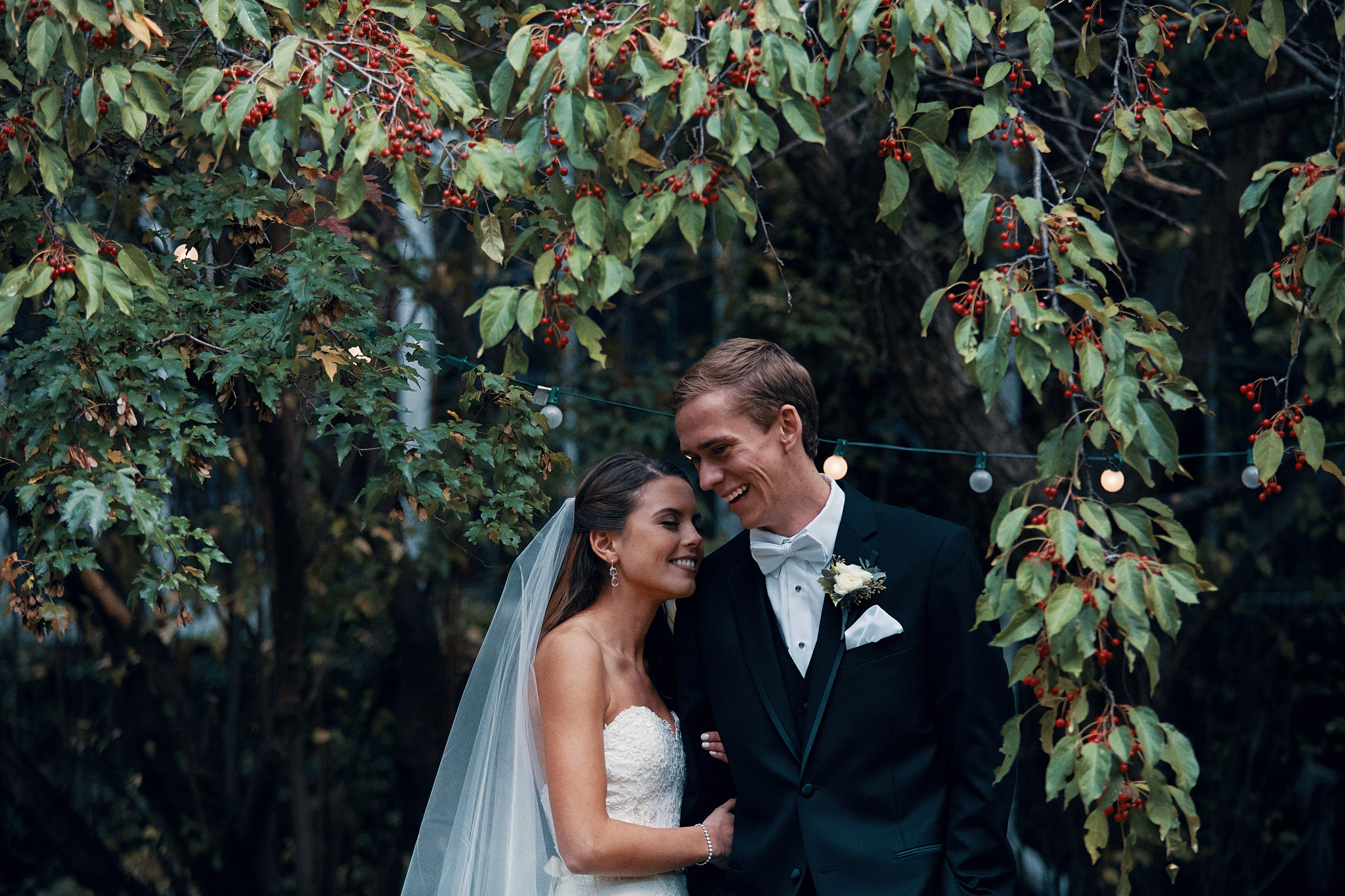 Gorgeous_Wedding_At_The_Outing_Lodge_In_Stillwater_Photography_High_End_Brand_Photographer_Something_Candid_016.JPG