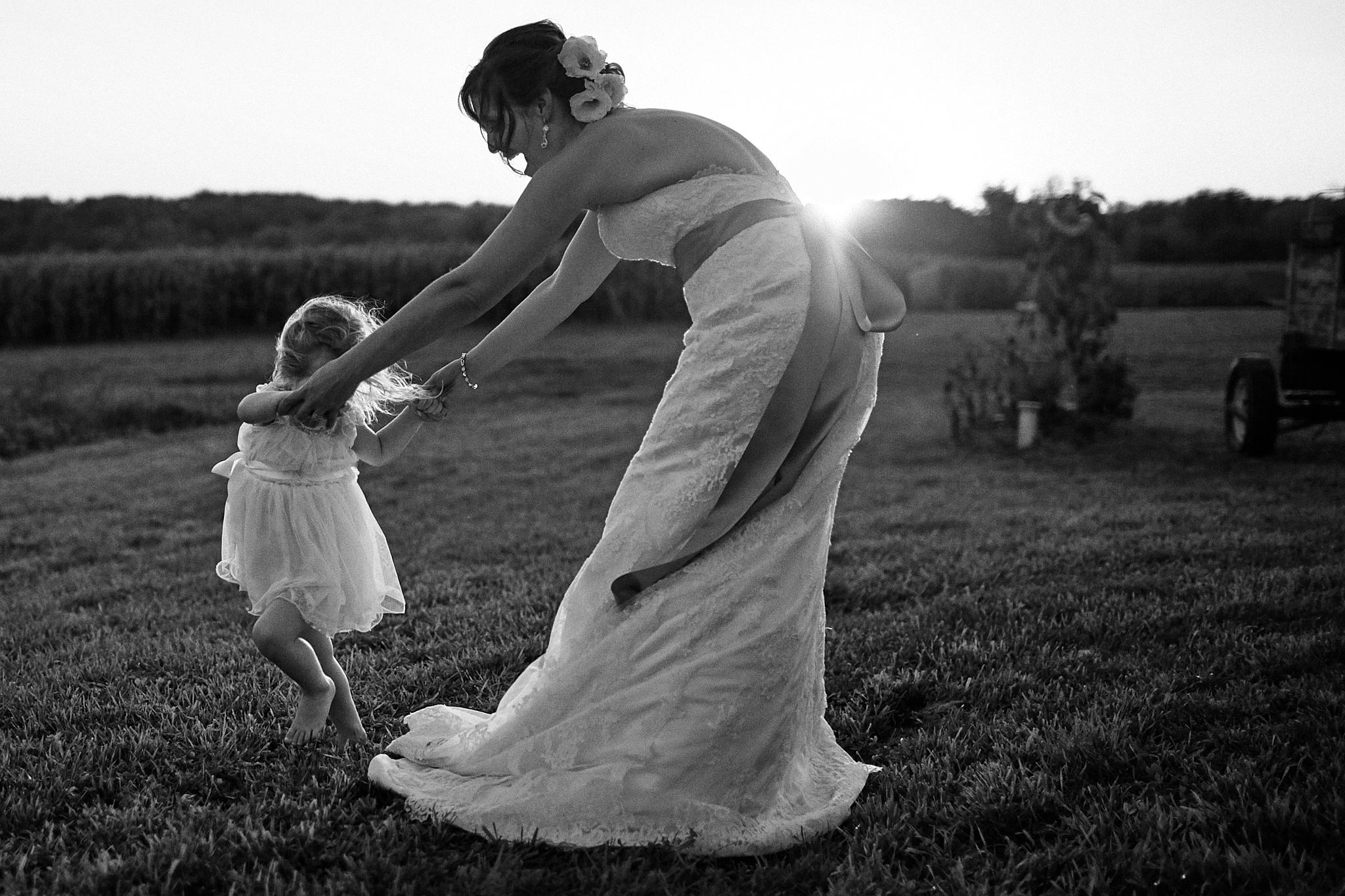 Jean_Acres_Barn_Wedding_Photography_High_End_Minneapolis_Brand_Photographer_Something_Candid_021.JPG