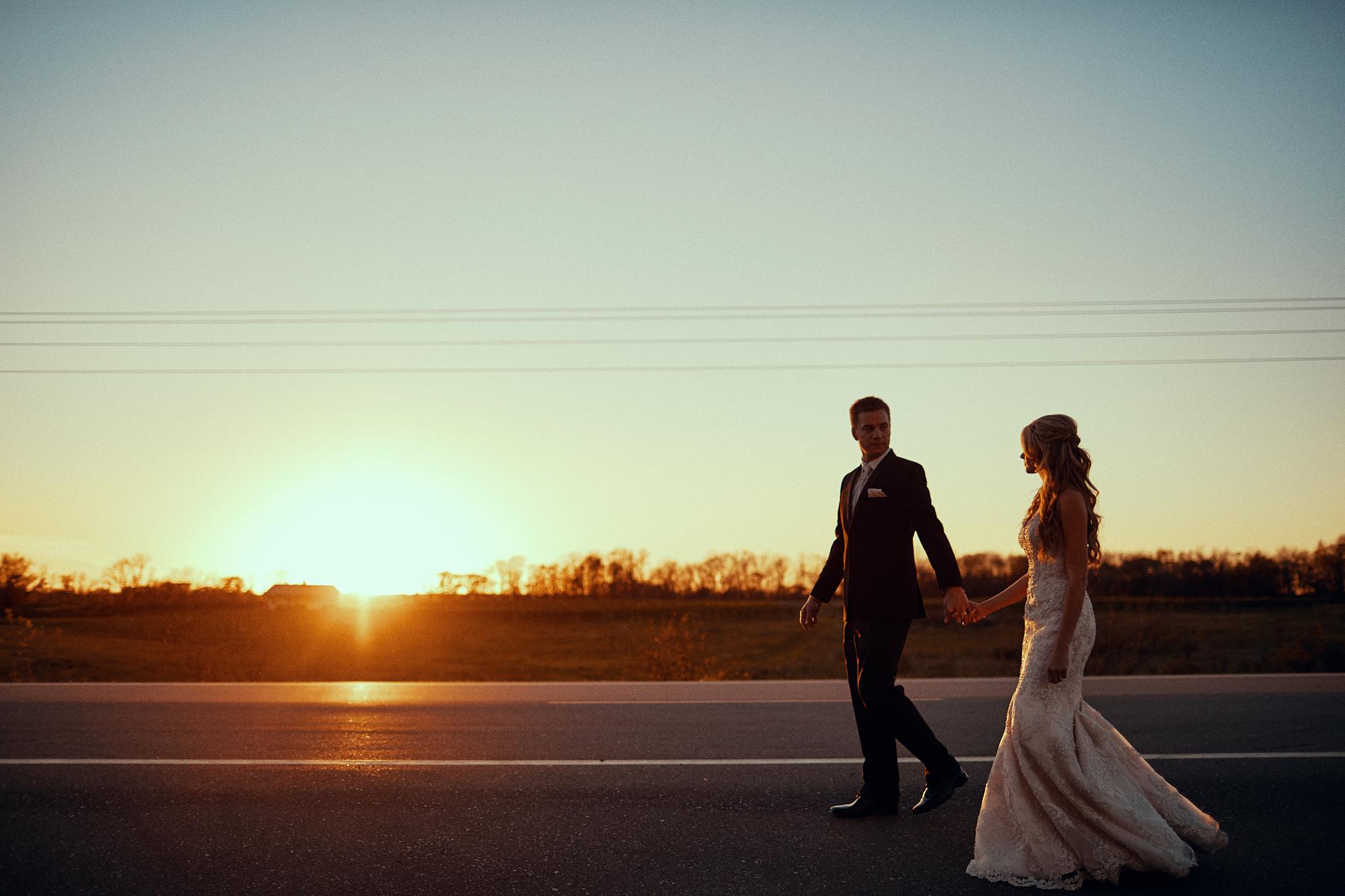 Killer_Field_Golden_Hour_Shot_In_Alexandria_Wedding_Photography_High_End_Minneapolis_Brand_Photographer_Something_Candid_023.JPG
