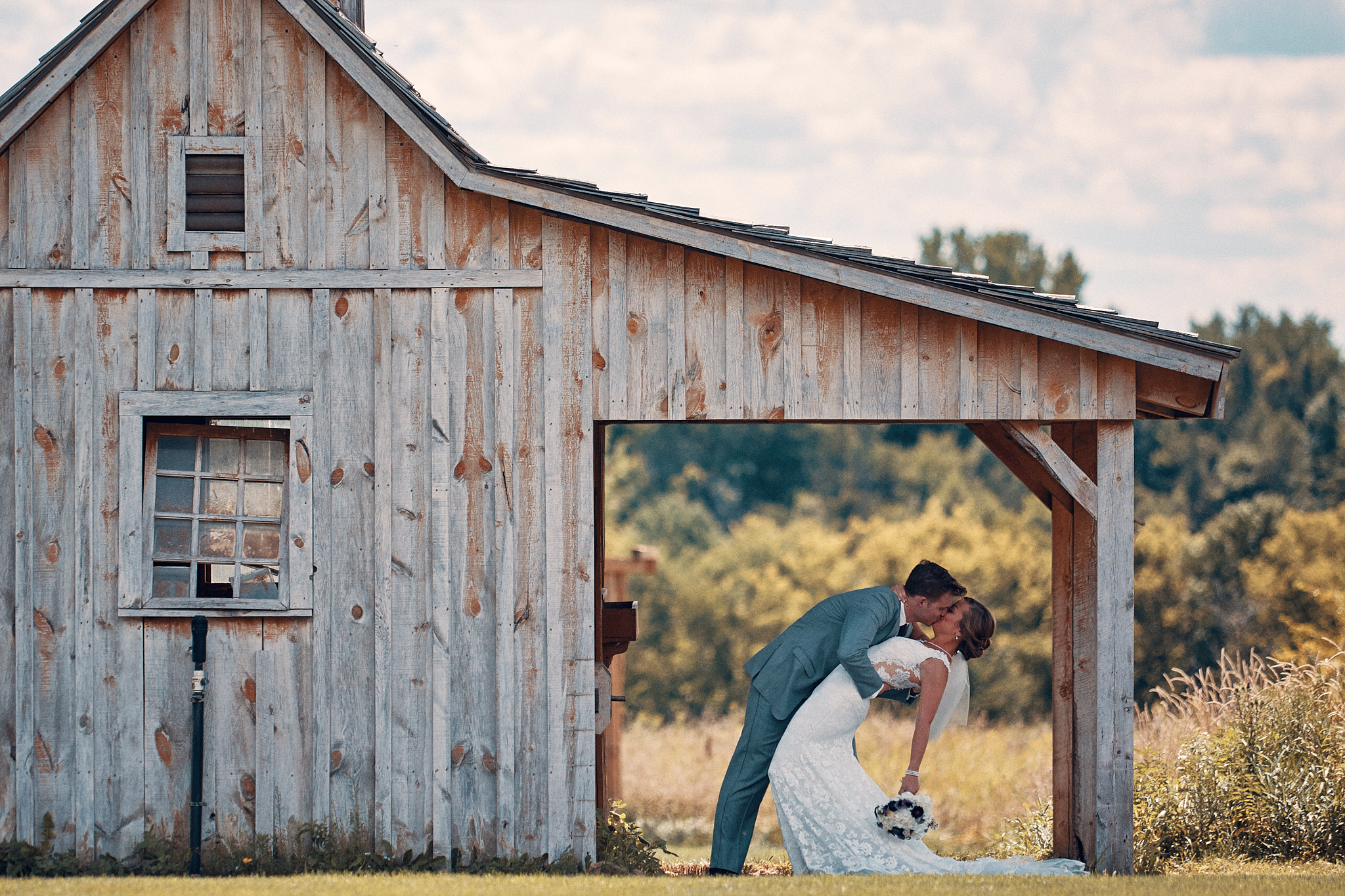 Perfect_Wedding_Photography_At_Outpost_Center_Chaska_By_High_End_Minneapolis_Brand_Photographer_Something_Candid_039.JPG