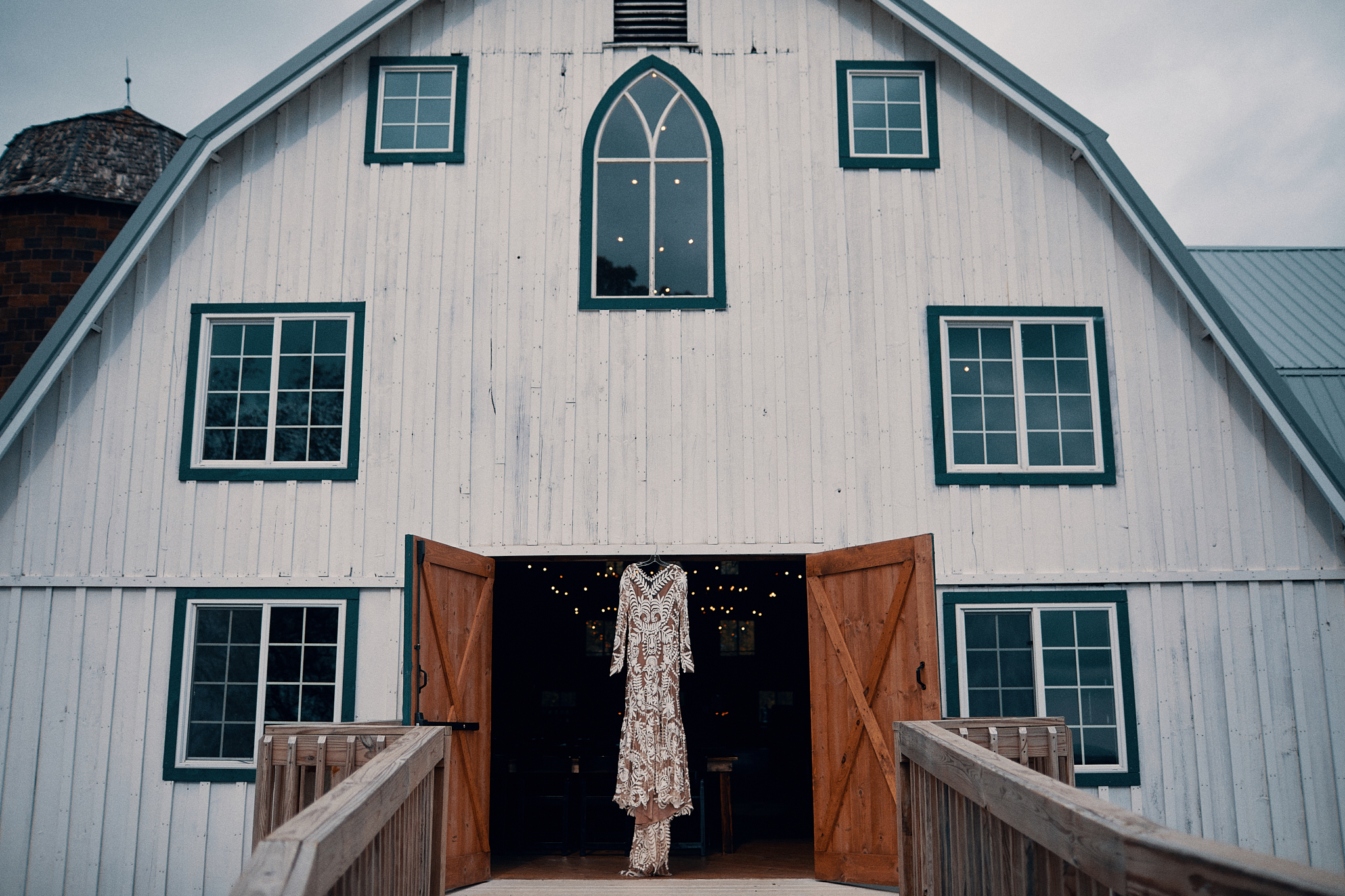 The_Bloom_Lake_Barn_Venue_Photography_By_High_End_Minneapolis_Brand_Photographer_Something_Candid_046.JPG