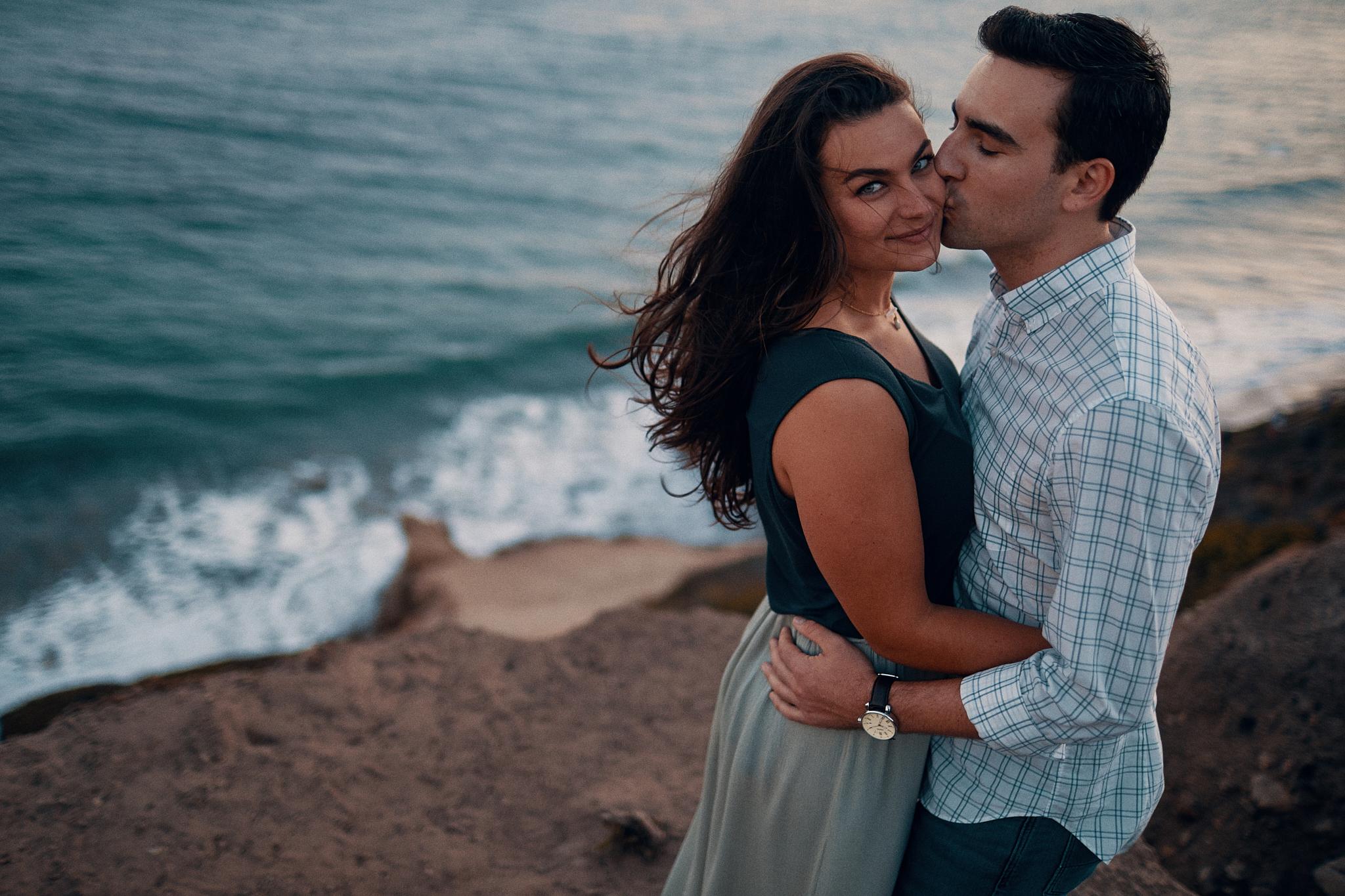 Engagement_Photographer_Twin_Cities_St_Paul_Miinneapolis_Lifestyle_Outdoor_Somethin_Candi_Photography_001.JPG