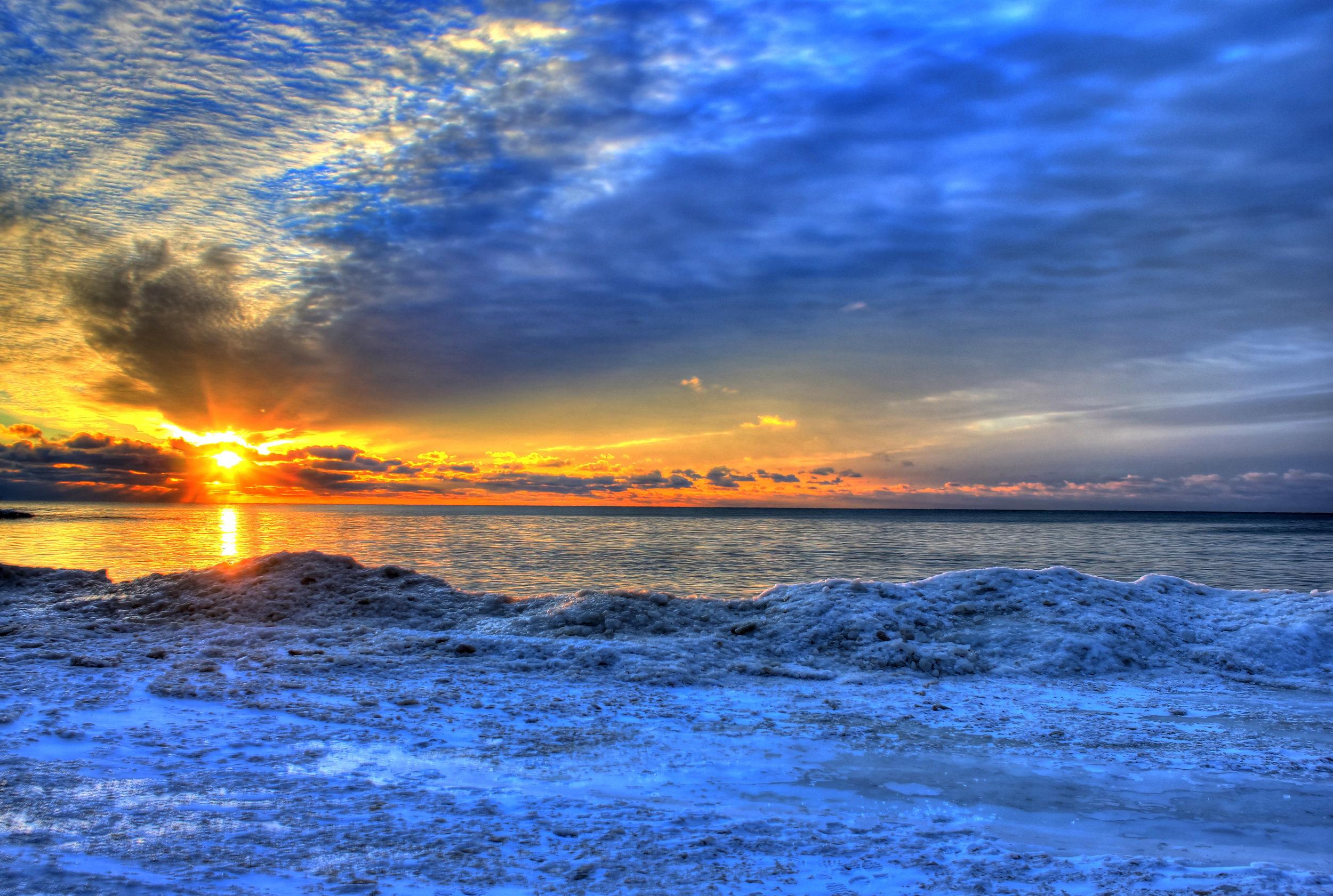 wisconsin-whitefish-dunes-state-park-sunrise-on-the-horizon.jpg