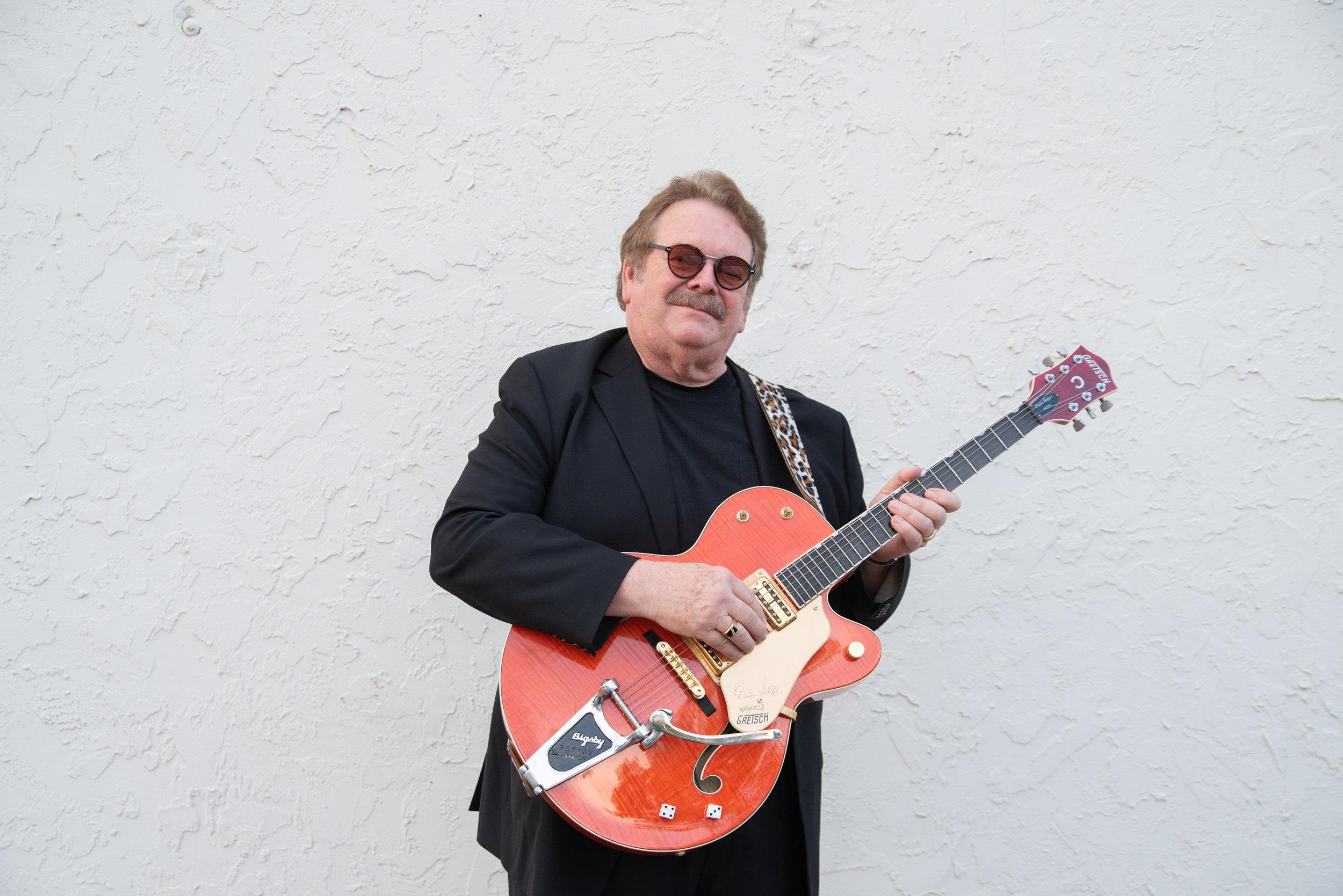 Ken Savage- Guitar / Vocals