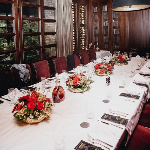 Remy Martin x Hy's Steakhouse Media Dinner