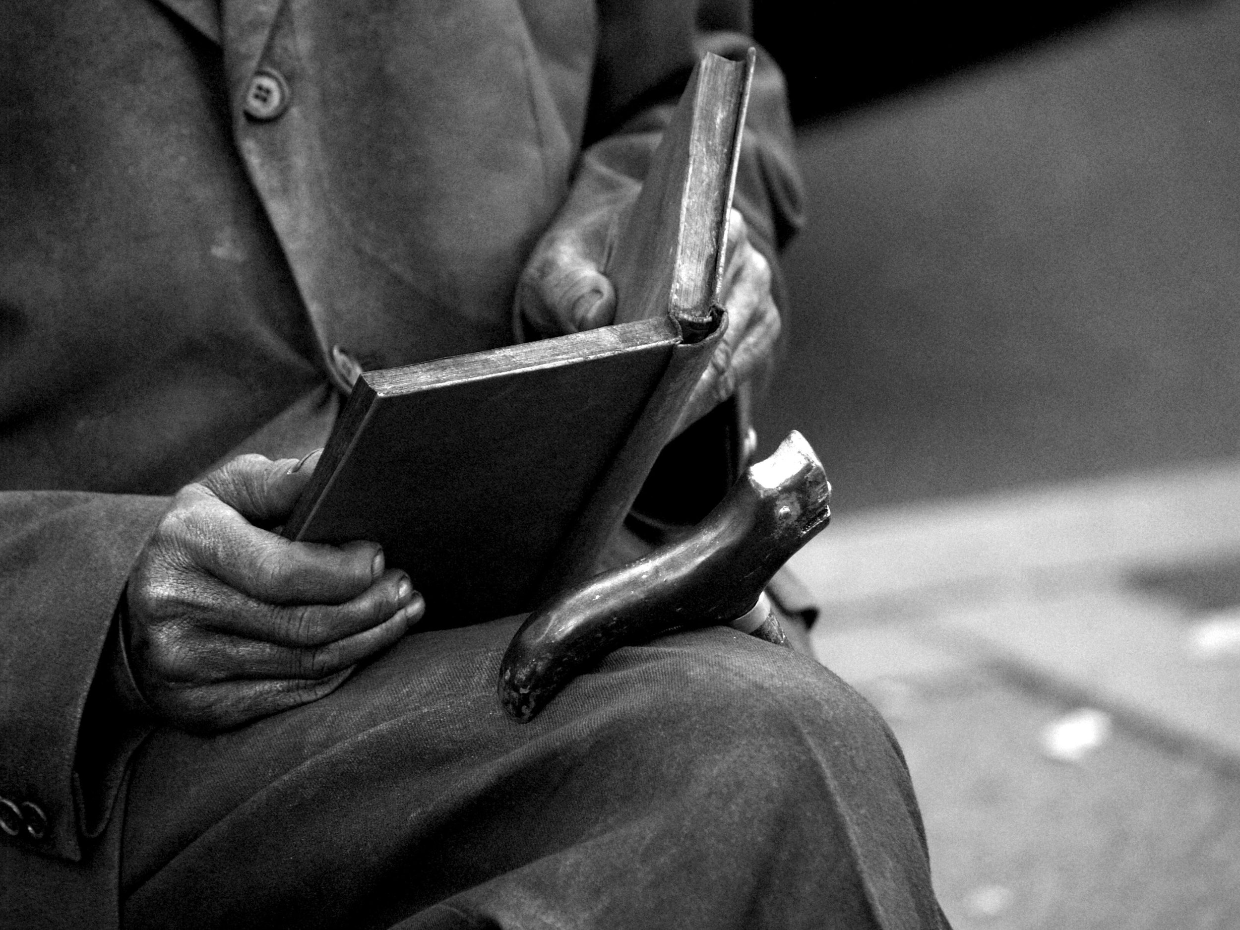 The Reader by Manolo Toledo - Downloaded from 500px_jpg.jpeg