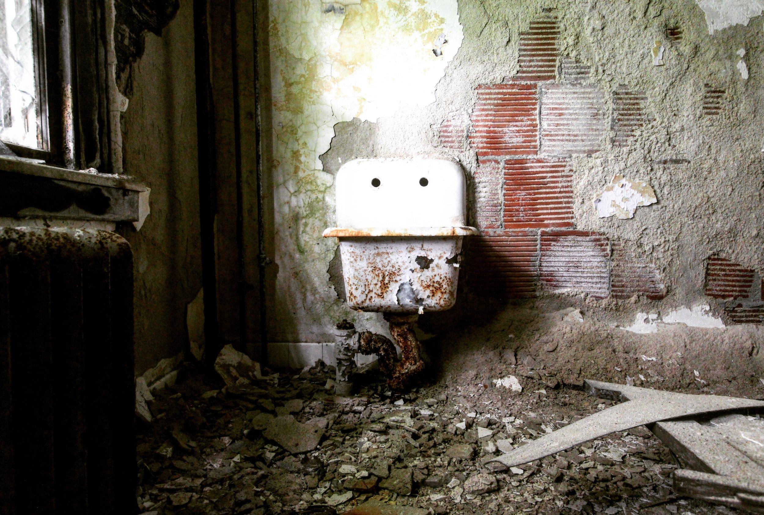 Forgotten Sink.JPG