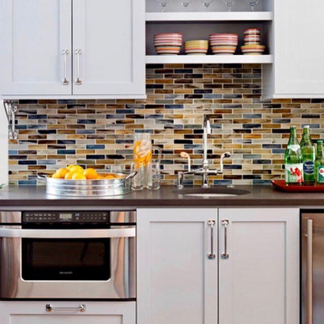 Want a new renovated kitchen, a gorgeous backsplash? Call Goias Home Improvement at (732)921-5712 GoiasHomeImprovement.com #homedecor #remodel #newyork #newhome #kitchendesign #bathroomdesign #nyc #nj