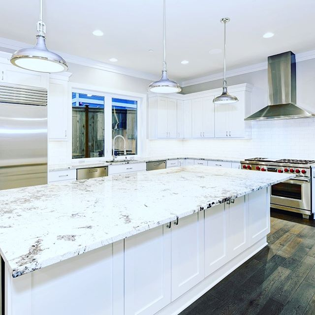 Have the kitchen and bathroom of your dreams. Call us for a free estimate at (732)921-5712 GoiasHomeImprovement.com #homedecor #bathdecor #kitchendecor #usa #nyc #construção #remodel