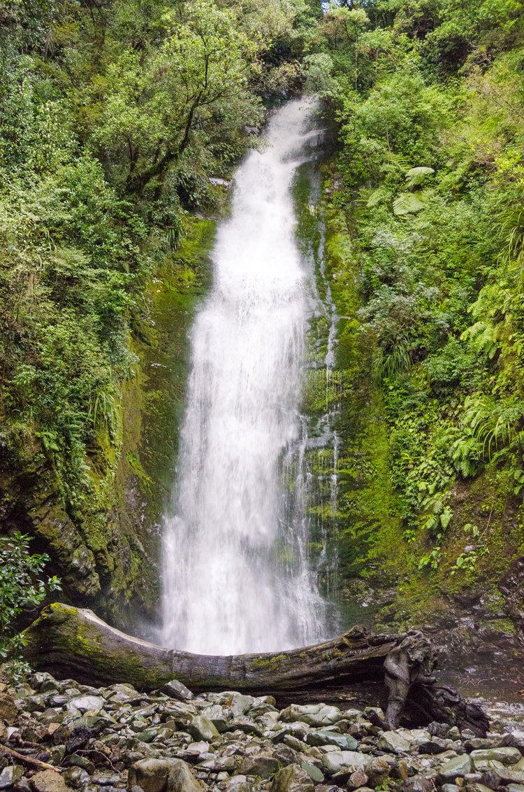 Little Homer Falls Fiordland National Park A Great Backyard