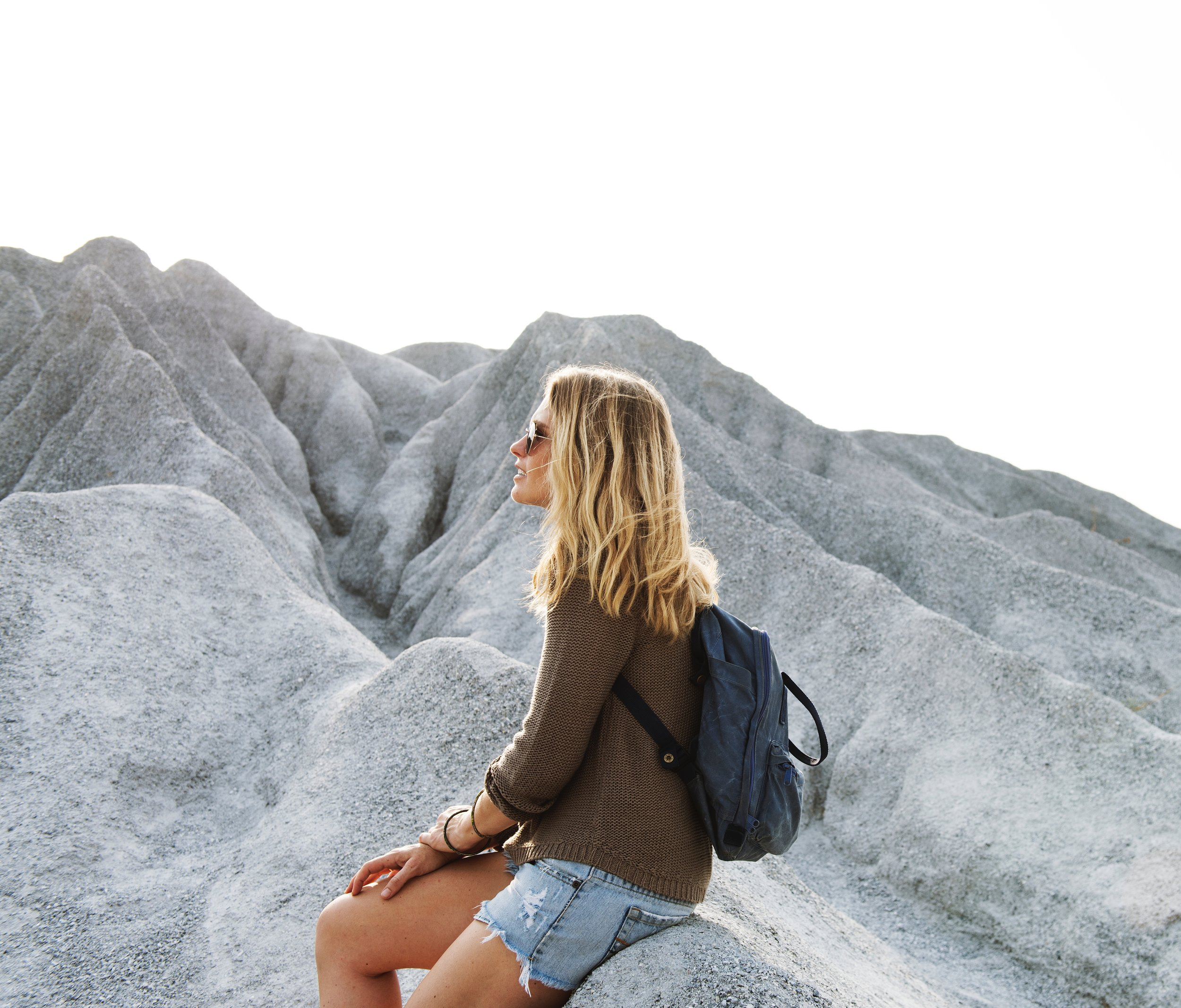 4 super easy ways to implement mindfulness in your daily routine in just one minute