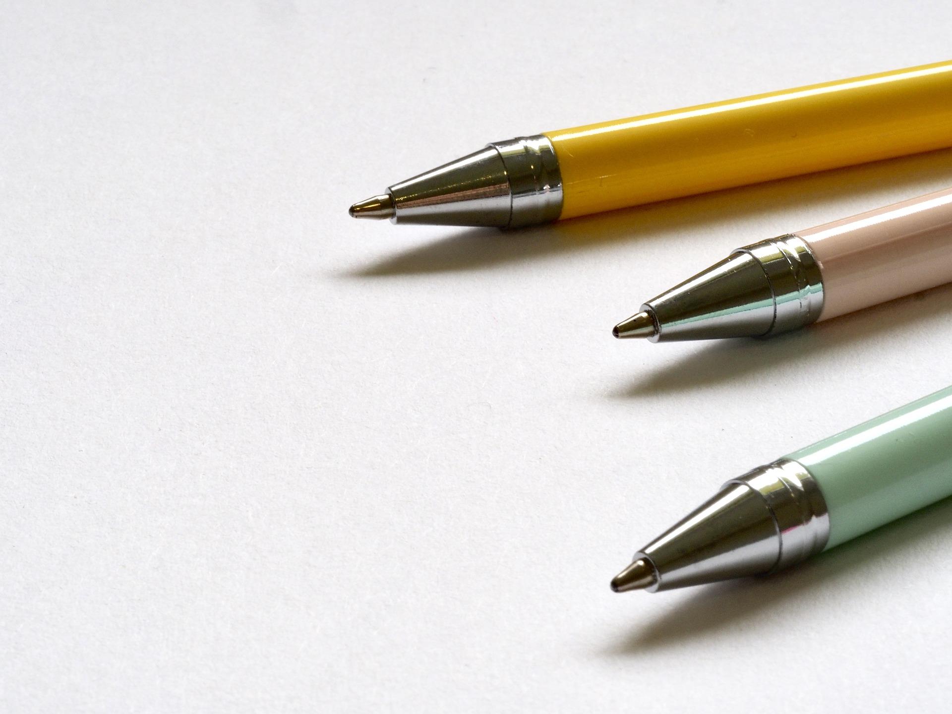 Talousnero_oppilaitosyhteistyö_kynät