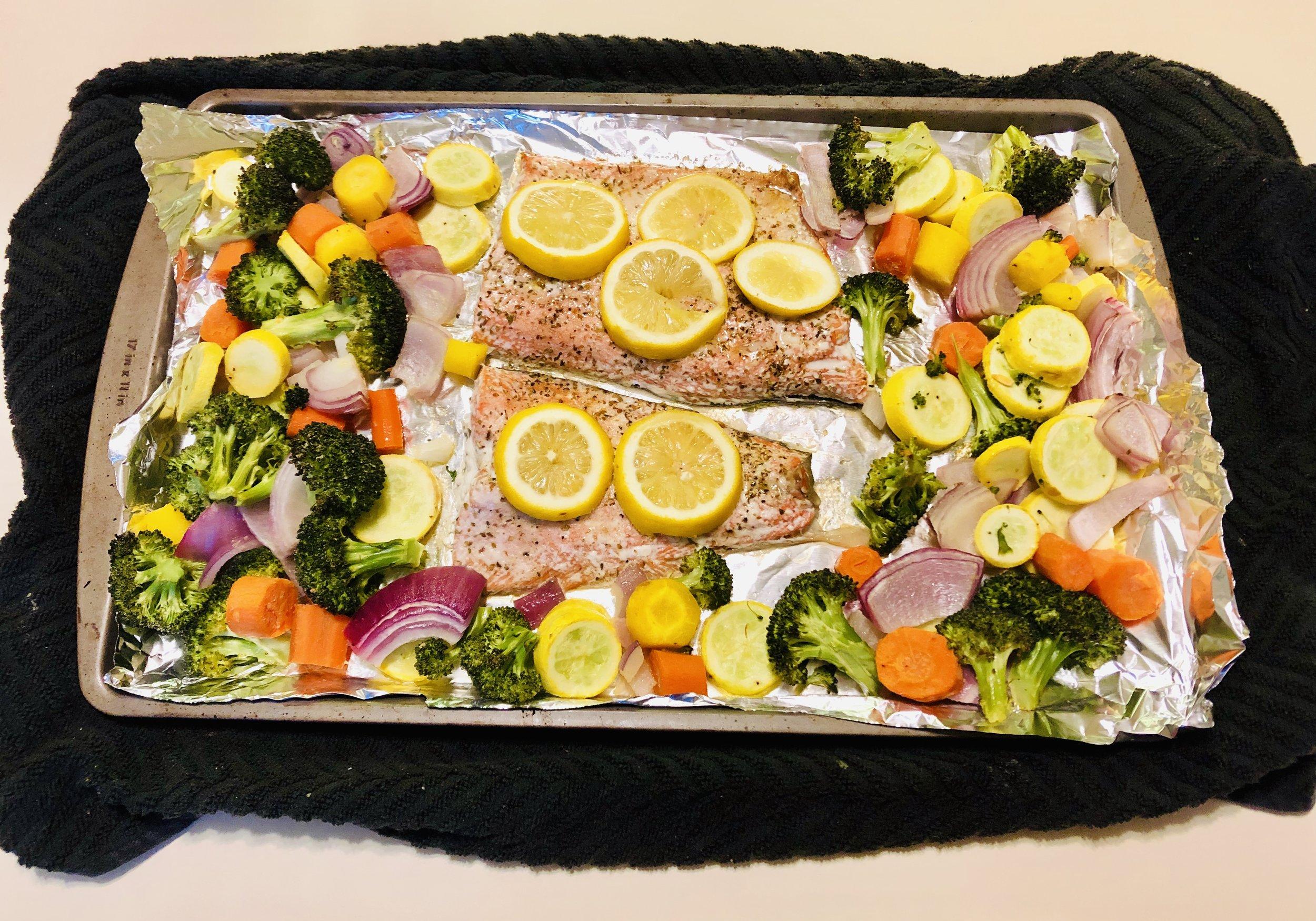 Sheet Pan Salmon Veggie.jpeg