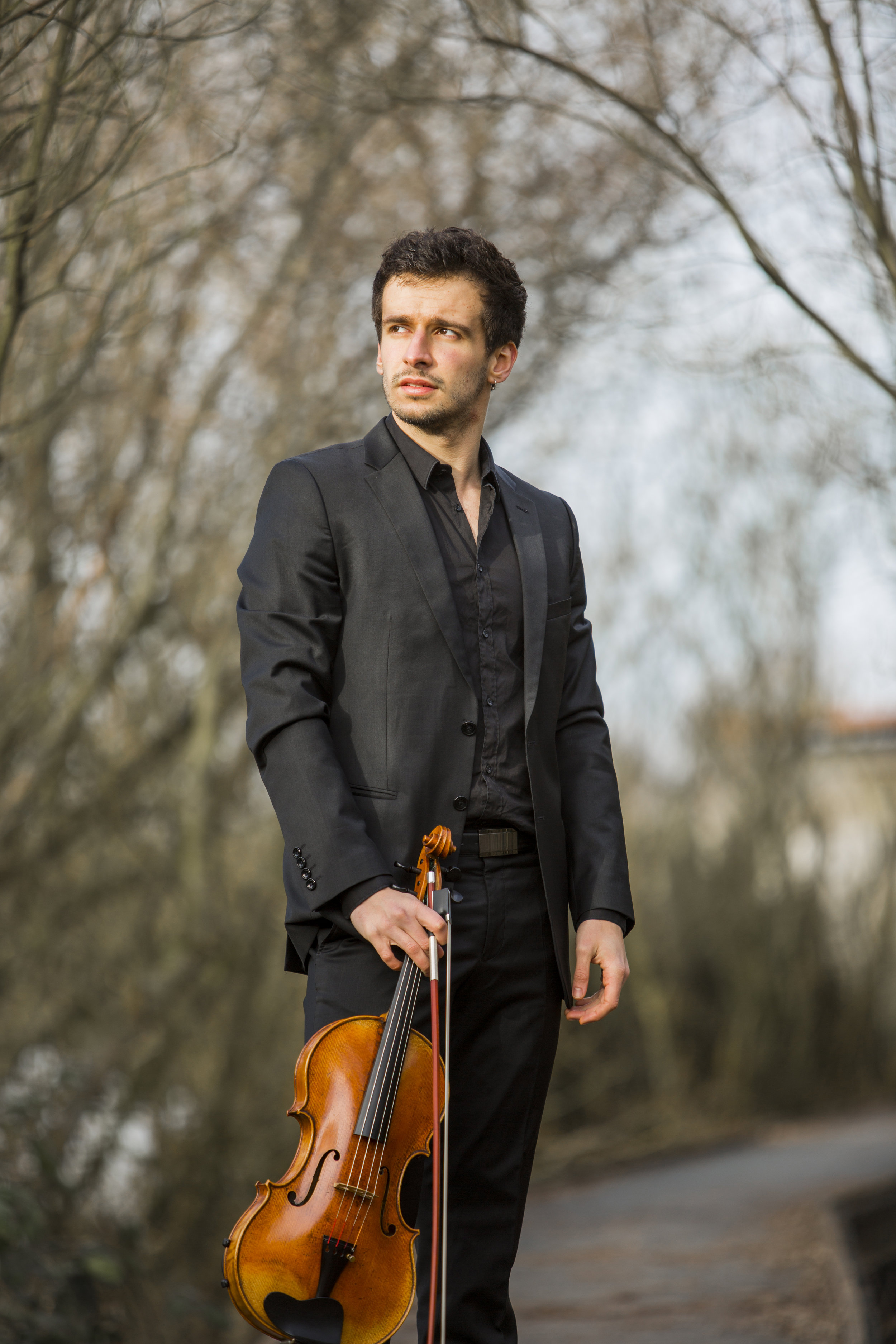 "Gonzalo Martin, Violist… - began his musical training at Bilbao's ""Conservatorio Juan Crisostomo de Arriaga"" where he studied under the tutelage of Rosa Gutierrez. He has also received instruction from Jonathan Brown, Silvia Simionescu, Kim Kashkashian, Nobuko Imai and many others. An avid chamber musician and soloist, Gonzalo has performed in some of the most reputed concert halls of Europe, including Gewandhaus Leipzig, Musikverein Wien and Sendesaal Bremen. He has performed as a soloist with the Bilbao Symphonic Orchestra, the Deusto Chamber Orchestra, and in the ""EIO"" youth orchestra's Venezuela and Brussels tours. He is a top prizewinner in the 2017 International Anton Rubinstein Competition for Viola, the Concurso Jovenes musicos de Euskadi, as well as a two-time winner of the Ensemblewettbewerb HMT Leipzig. Gonzalo has participated in chamber music festivals and fellowships throughout Europe and the United States, including ""Lenk musiksommer,"" ""Presjovem,"" the Prussia Cove International Musicians Seminar, the ""Harmos Festival"" concerts, and the 2017 and 2018 Ravinia's Steans' Music Institute. He received the scholaship ""Beca de la Diputación de Bizkaia"" for three years and is currently completing his Masters of Music at the HMT Leipzig under the tutelage of Professor Tatjana Masurenko."