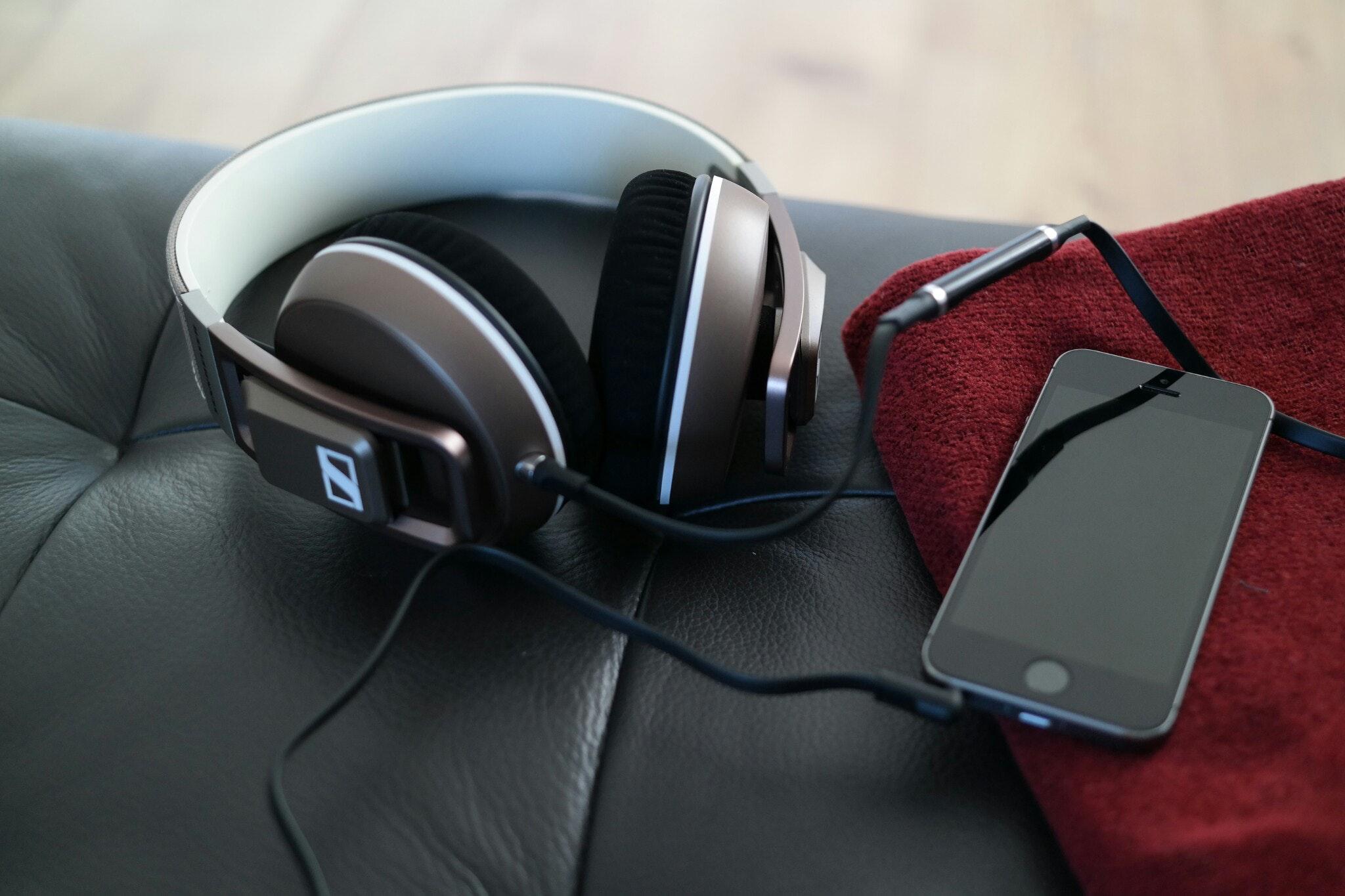 headphone-iphone-iphone-5s-845169.jpg