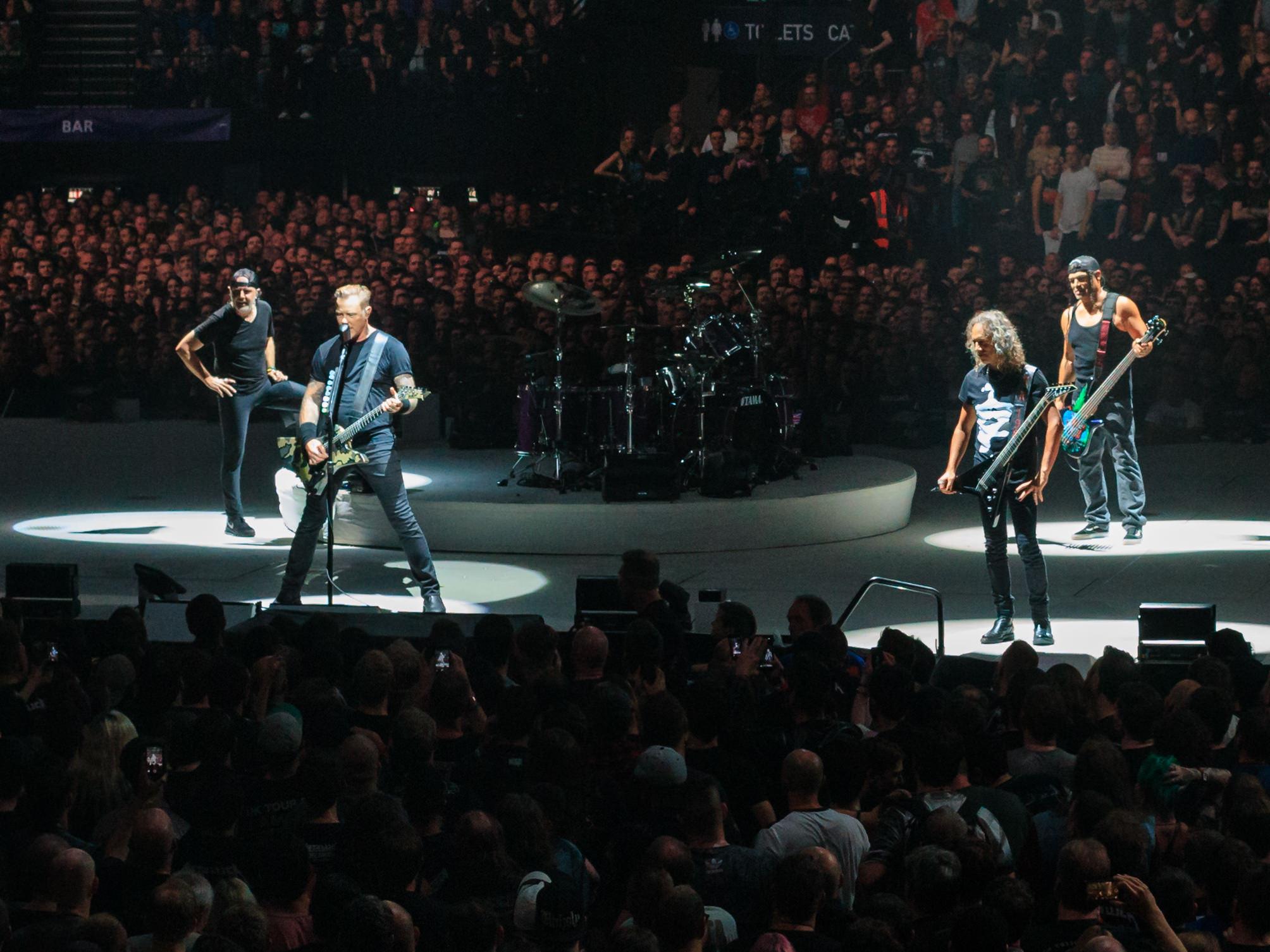 Metallica_Live_at_The_O2,_London,_England,_22_October_2017.jpg