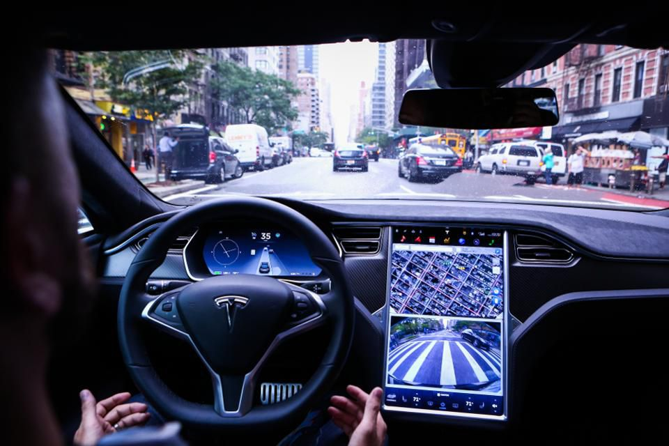 Can we trust Tesla's Autopilot feature and the organization's quest for self-driving? Photographer: Christopher Goodney/Bloomberg  © 2016 Bloomberg Finance LP