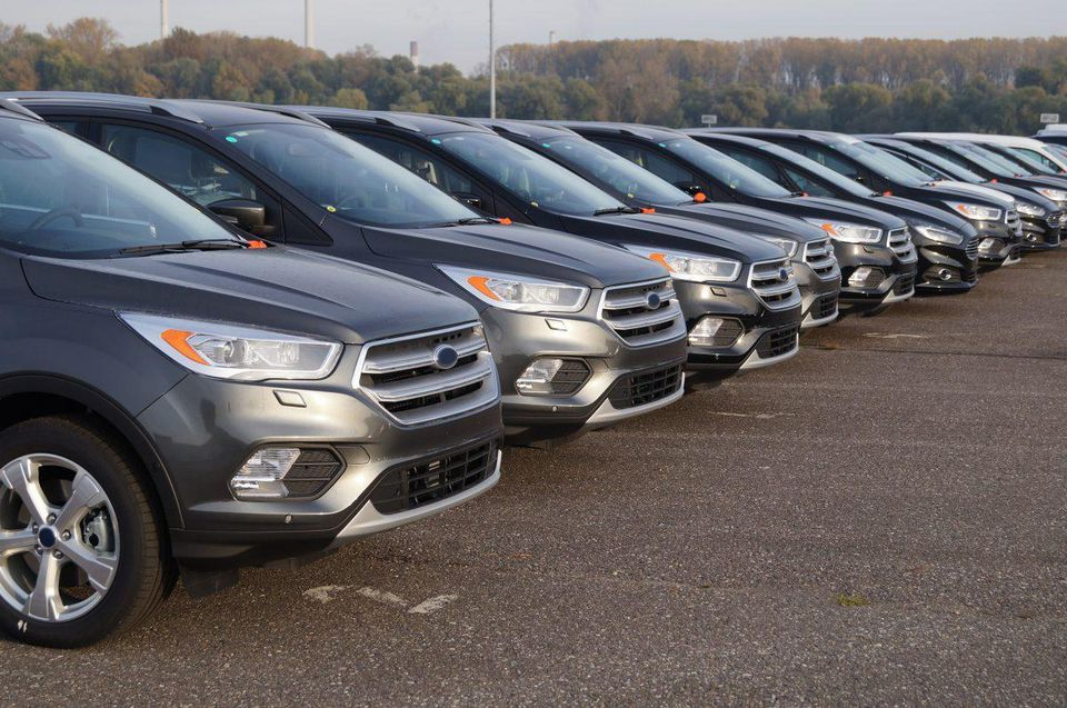 https___blogs-images.forbes.com_bernardmarr_files_2019_05_The-Amazing-Ways-The-Ford-Motor-Company-Uses-Artificial-Intelligence-And-Machine-Learning-2-1200x796 (2).jpg