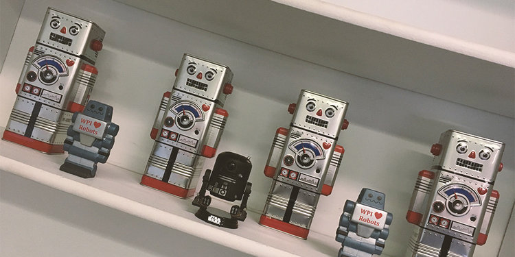 massrobotics_shelf_robots.jpg