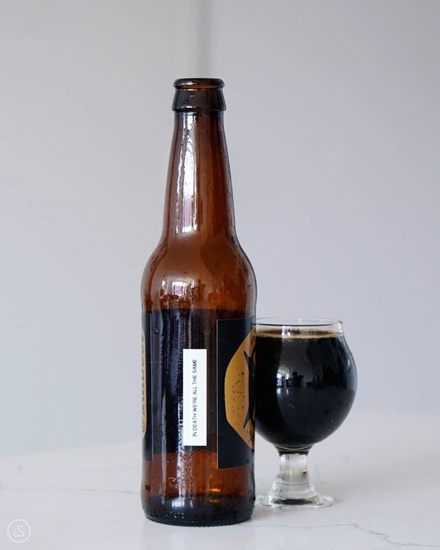 One more @xulbeer to post for this Stout Sunday - and a delicious one at that! In Death We're All The Same tasted just like a girl scouts Samoa cookie (or Caramel deLites)! At first all I could get was coffee, but as the beer warmed I discovered notes of rich cocoa, smooth caramel and toasted coconut. Tasted like dunking cookies in coffee! Hope everyone has a sweet day today, especially if you're a dad 😎