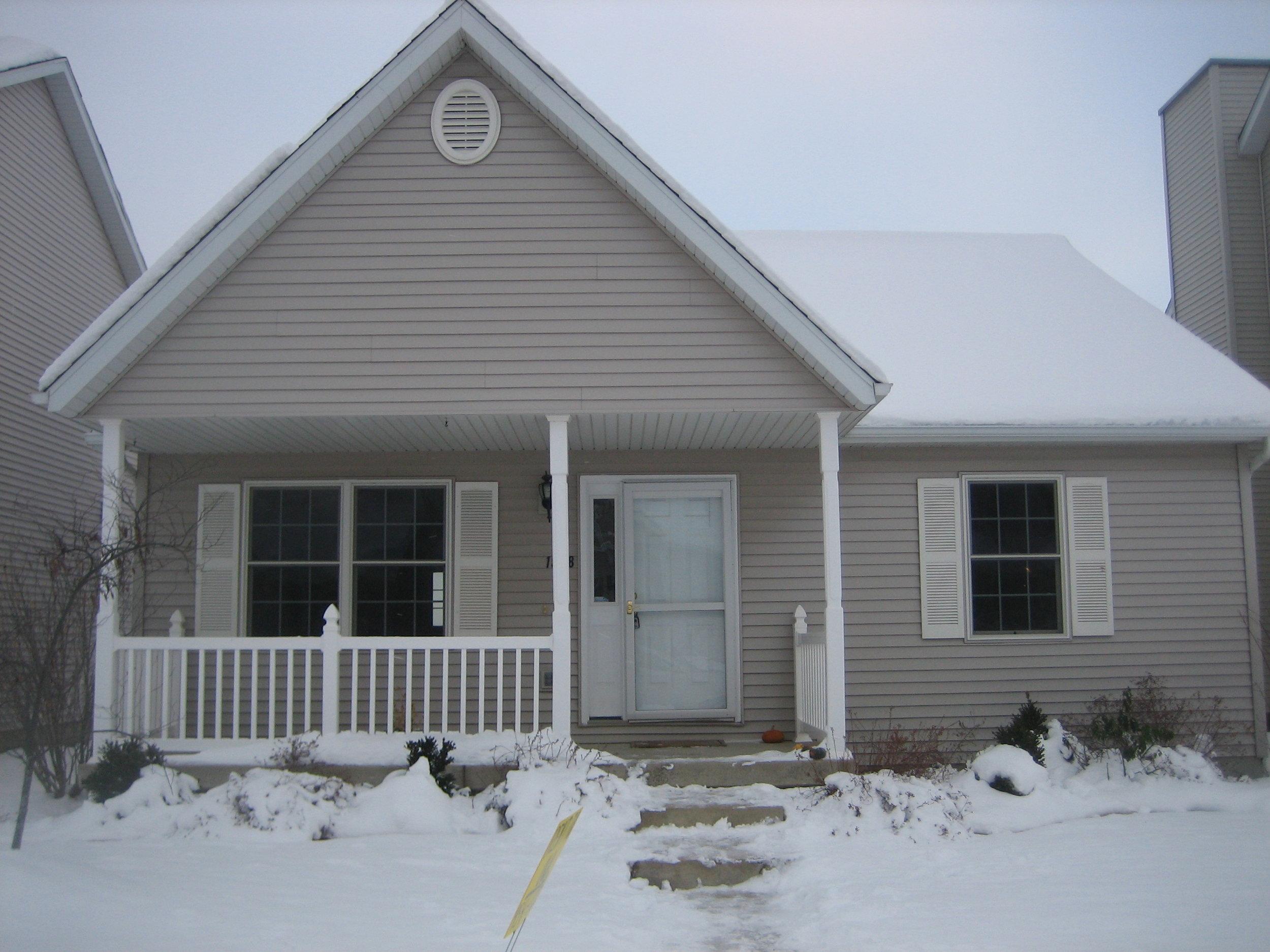 - 3 Bedroom, 1 Bath HouseUrbanaNewer home, full basement, 2 car garage