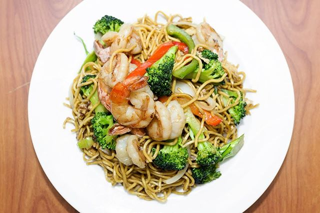 Get your Yakisoba on!  What is your Favorite meat in #Yakisoba? . . . #instagood #food #sweet #yummy #instapic #yum #delicious #fresh #foodie #hungry #homemade #foodgasm #pdxeats
