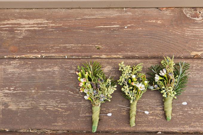 New Years Wedding Indigo Floral Co. - Elle Rose Photo Boutonnieres.jpg