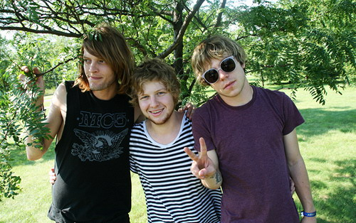 Cage_the_Elephant_By_Uncensored_Interview.jpg