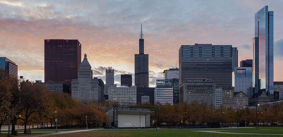 Repeat Chicago entrepreneurs establish offices in the Midwest and Silicon Valley. PC: Diego Delso Phoo License CC by SA