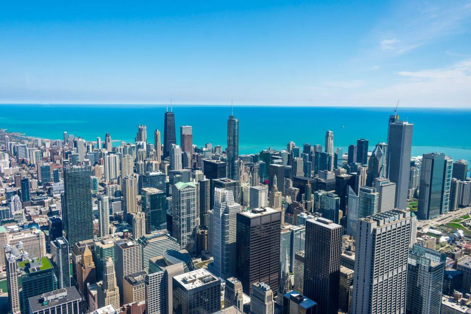 A steady clip of major coastal-based technology companies have set up shop — and then continually expanded their presence — in the Windy City.   JOHNELL PANNELL