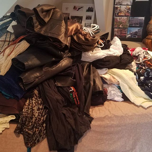 KonMari weekend! Time to Tidy Up. Posting my step 1 clothes pile.