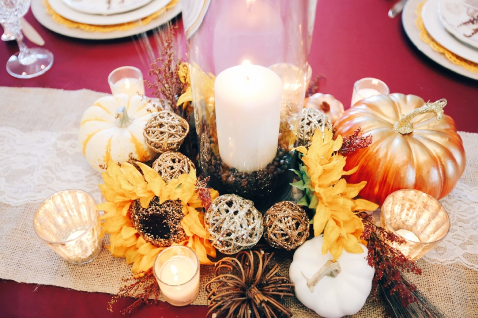 Traditional Rustic Thanksgiving Table Centerpiece .JPG