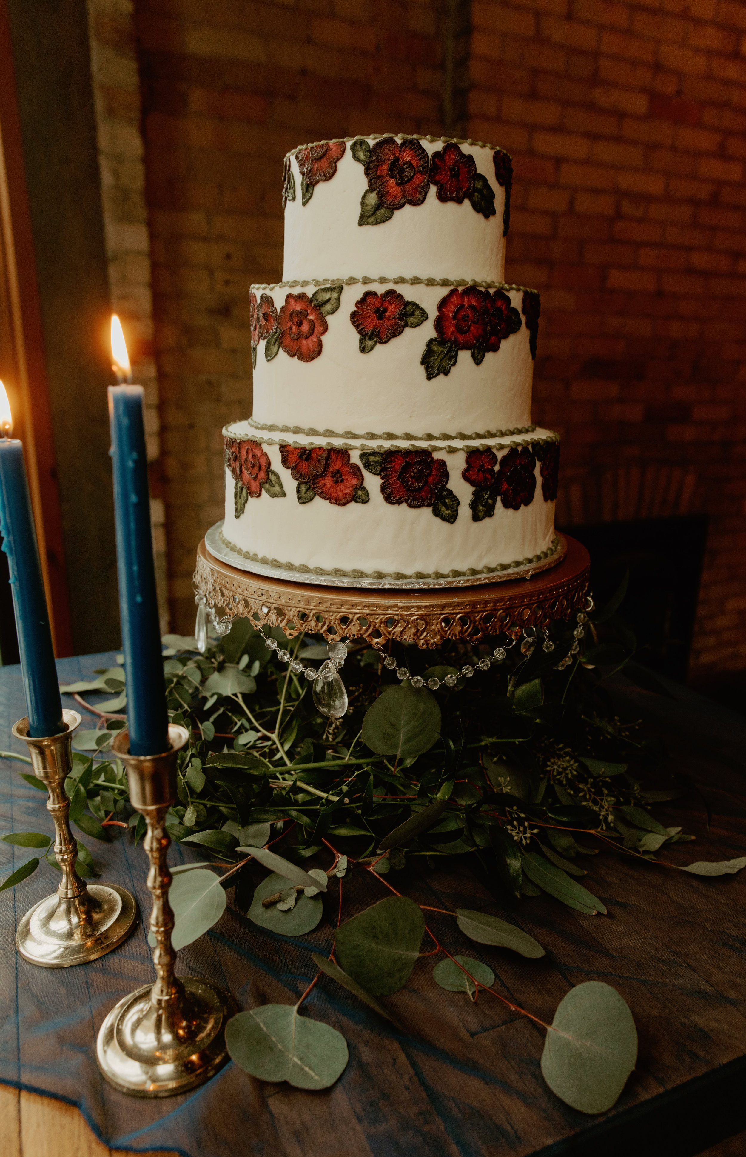 Emma and Buster Elopement - Cake Detail Shot - by Nikki Kate Photography.jpg