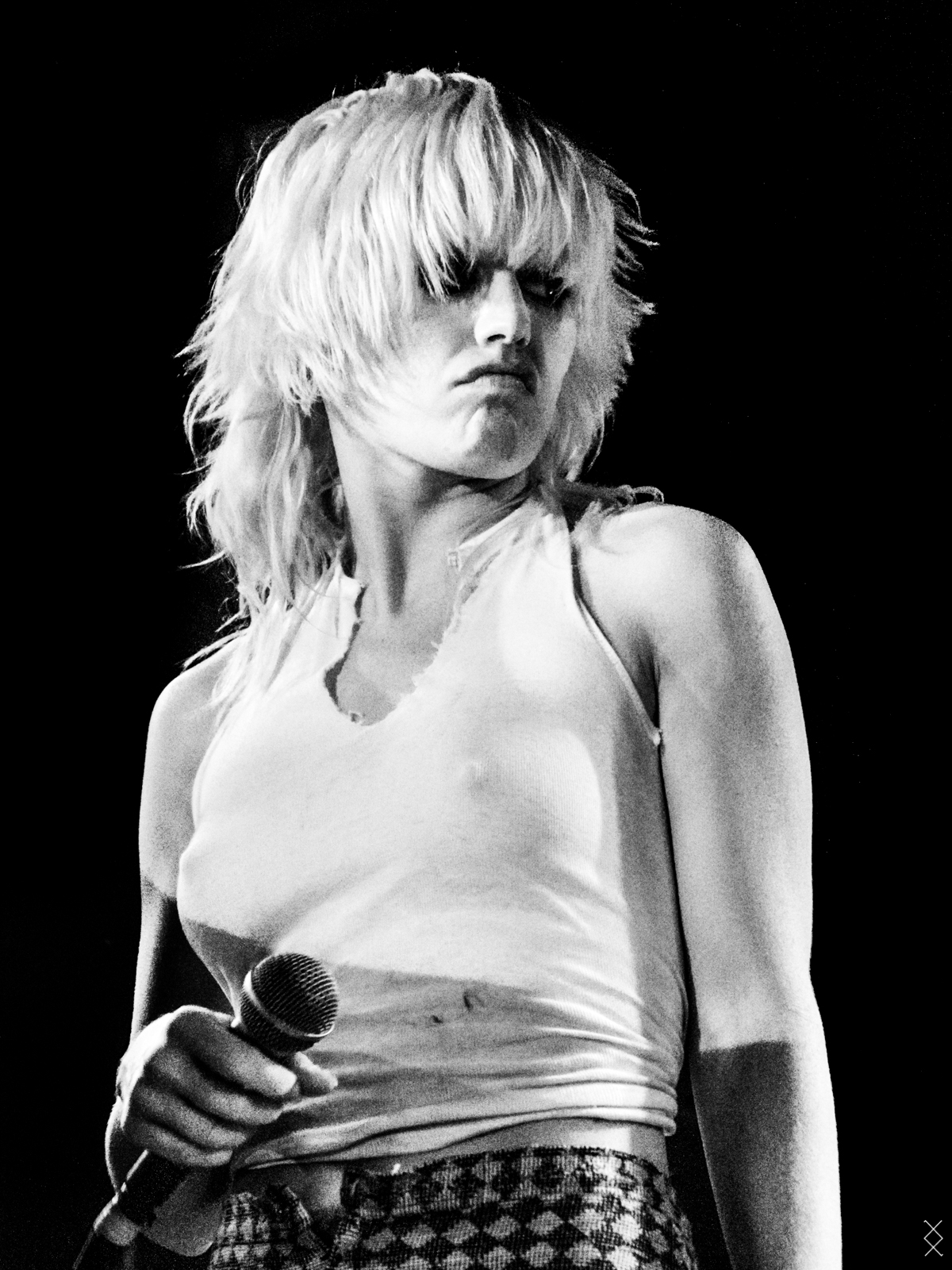 On stage photography; Amyl and the Sniffers 2018