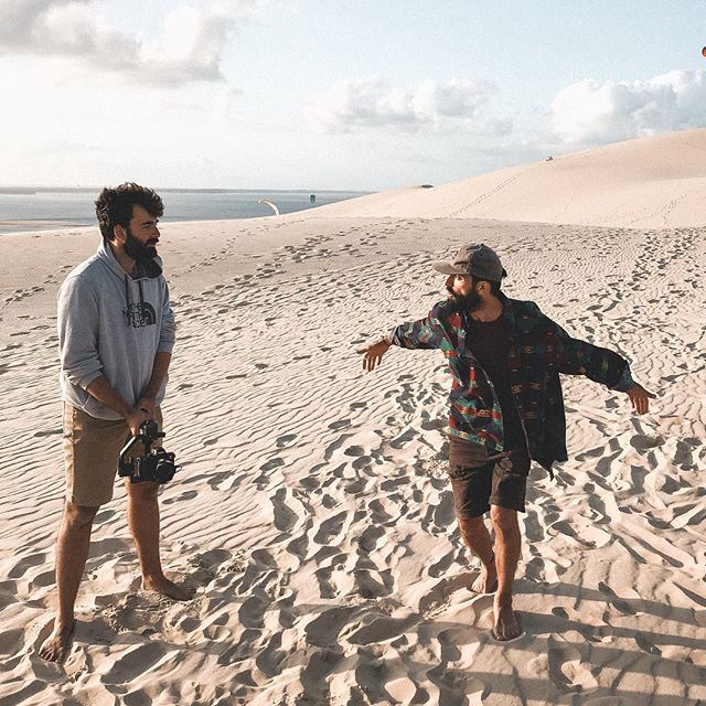 As a creative studio on wheels, we just love playing with our environnement to get the perfect shots for our client's work.  Throwback to our time at the Dune of Pilat to catch the best sunset lights.