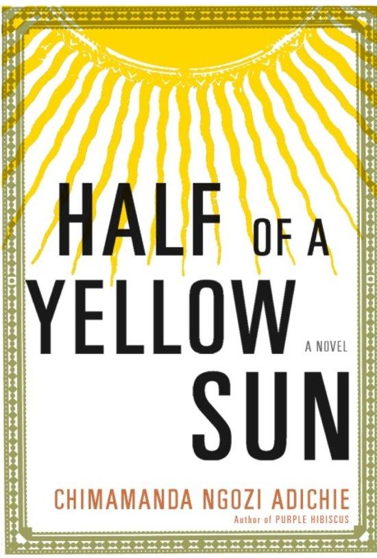 """8. Half of a Yellow Sun, Chimamanda Ngozi Adichie - Genre: RomanSamenvatting van het boek in twee zinnen: Tijdens de Nigeriaanse burgeroorlog (The Biafra War) in de jaren zestig komen de levens van huisknecht Ugwu, de hoogopgeleide en welvarende Olanna en de Britse schrijver Richard samen. Half of the Yellow Sun vertelt een verhaal over het einde van kolonialisme, morele verantwoordelijkheid, klasse, ras en hoe liefde dit alles kan compliceren. Ook nog even dit: Er zou op de kaft moeten staan dat het een vereiste is voor de lezer om enige kennis te hebben van de Biafra War. Ik heb tijdens het lezen van de roman een beknopte samenvatting van de oorlog gemaakt, een kaart van het land getekend, de personages uitgeschreven en de verschillen tussen de verschillende stammen genoteerd. Je kunt dit bekijken op Lees een Boek's Instagram, onder de highlight 'Cool Books'Favoriete quote: """"Is love this misguided need to have you beside me most of the time? Is love this safety I feel in our silences? Is it this belonging, this completeness?"""""""
